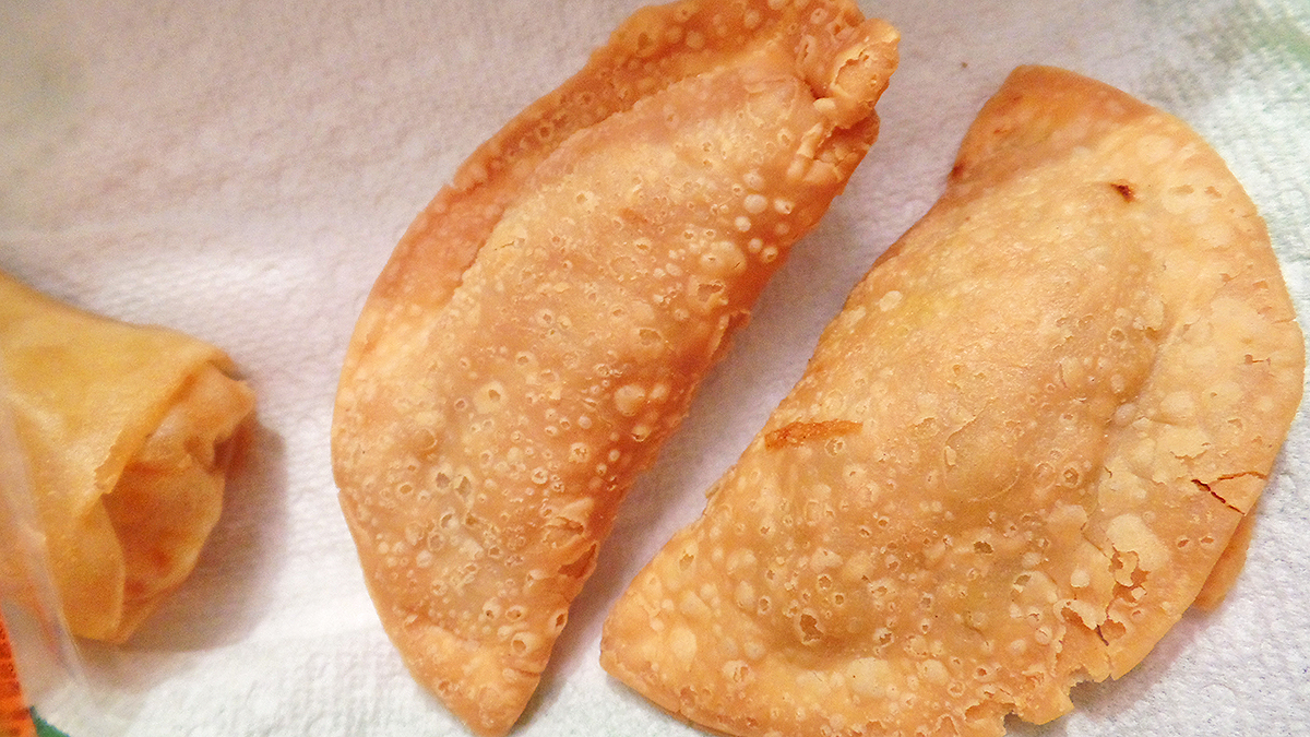 harmony-vegetarian-chinese-curry-pockets